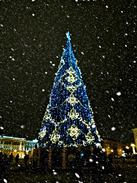 Main New Year Tree of St. Petersburg is located on the Palace Square