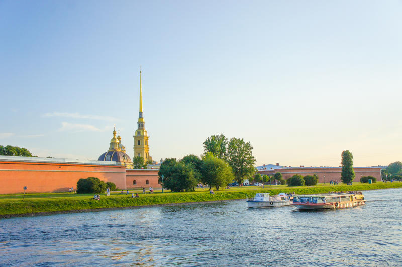 Saint Petersburg must-see places: Peter and Paul Fortress