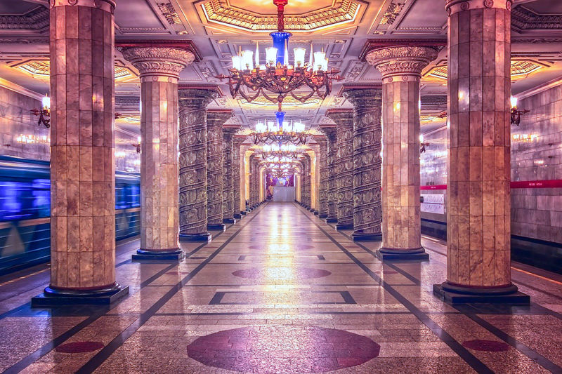 Things to do in St. Petersburg : tour metro stations