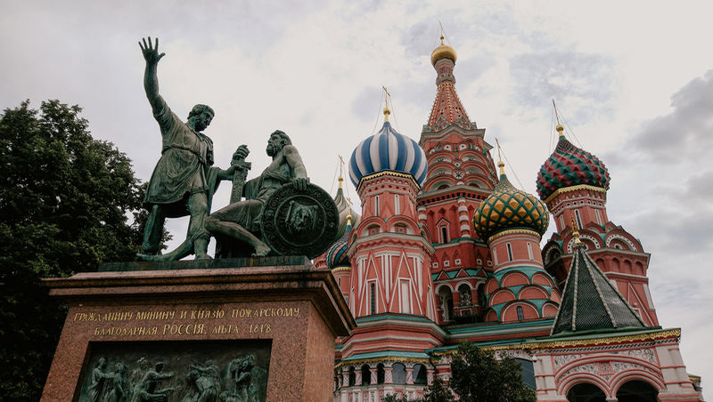 St Basil's Cathedral and the Monument to Minin and Pozharsky, Russian heroes of the 17th century war