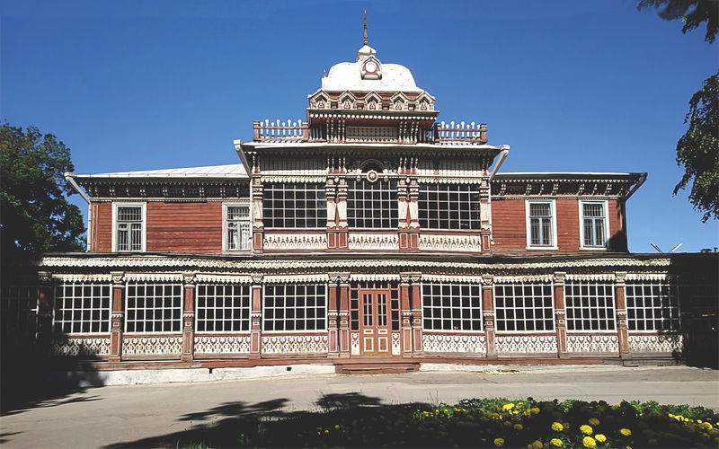 Summer Club of the Nobility Assembly is one of the most beautiful buildings in Ryazan